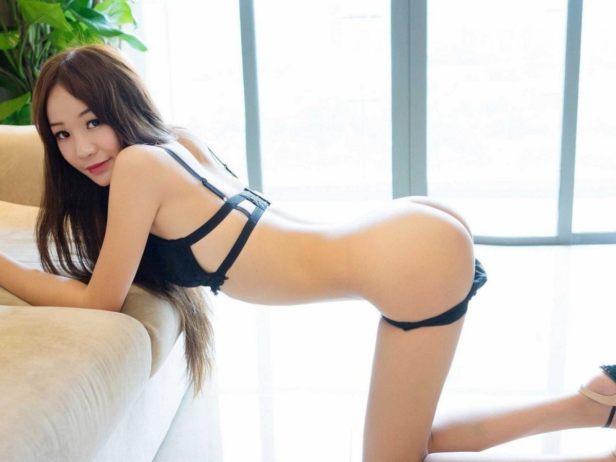 Free Asian Cam Sites — Sexy Japanese Girls Are Waiting!